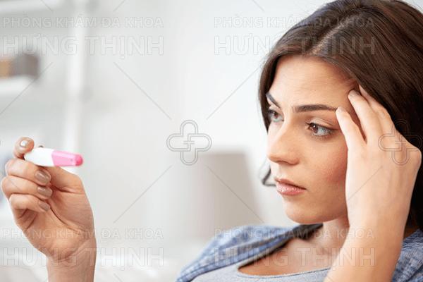 Triệu chứng nhận biết vô sinh hiếm muộn ở nữ giới